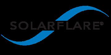 Alstor SDS logo firmy SOLARFLARE, napis z nazwą firmy jest w kolorze czarnym. Nazwa firmy przecina niebieską falę