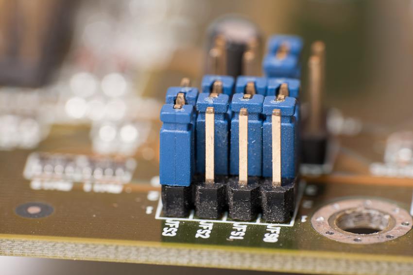 Do czego służą serwerowe karty sieciowe?