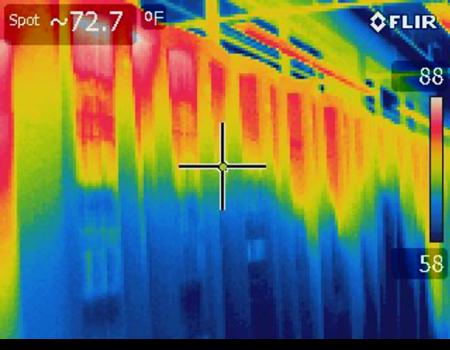 różnice temeratur na rożnych wysokościach szafy Rack